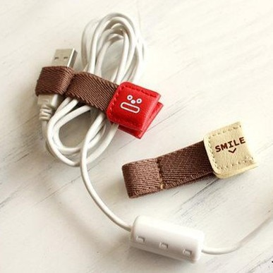 Cable Winders 6PCs Leather Holders 1