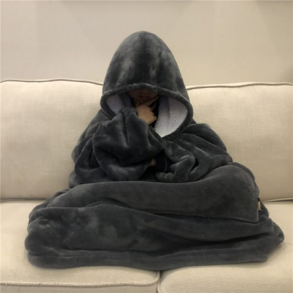 Hooded Blanket for Adults with Pockets 1