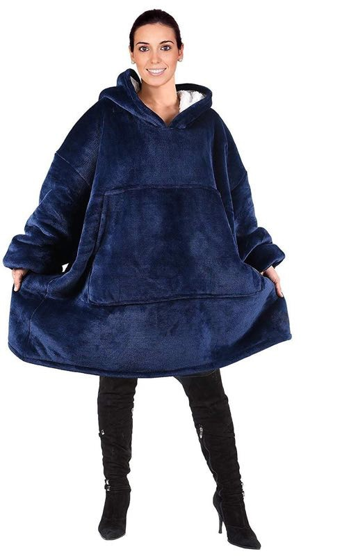 Hooded Blanket for Adults with Pockets 2