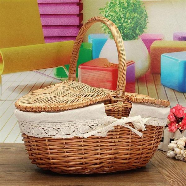 Wicker Picnic Basket with Inner Liner 3